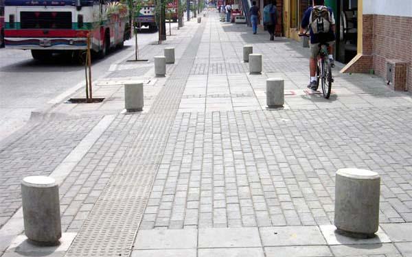 Metaltec pi sas productos prefabricados en concreto for Amoblamiento urbano